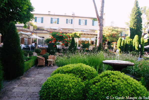 Bar Lounge Le Pigonnet (15)